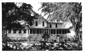 Traverse City Michigan~Indian Trail Lodge~American Flag-Mailbox in Yard~30s RPPC