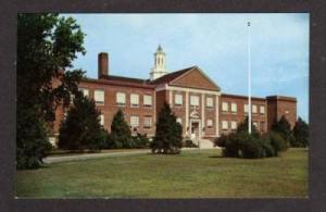 DE View of the DOVER High School in DELAWARE Postcard