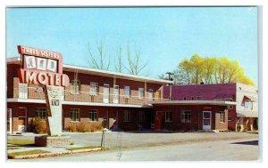 MONTPELIER, Idaho ID ~ Roadside THREE SISTERS MOTEL 1969 Bear Lake Co.  Postcard