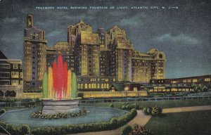 ATLANTIC CITY, New Jersey, PU-1950; Traymore Hotel Showing Fountain Of Light