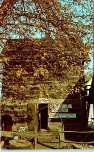 NASHVILLE, IN Indiana   Historic OLD LOG JAIL  c1960s  Roadside   Postcard