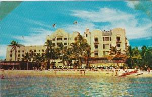 Hawaii Waikiki Royal Hawaiian Hotel In Hawaii On The Beach At Waikiki A Shera...