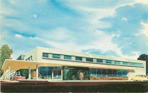 Automobiles Plainsman Hotel roadside Postcard Dexter 12926