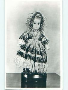 Old rppc FRENCH JUMEAU DOLL AT MUSEUM Warwick - Warwickshire UK t2115-12