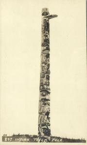 canada, Indian Totem Pole (1930s) RPPC