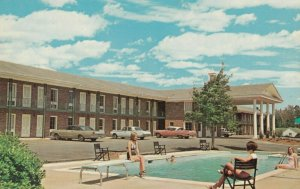 Perry , Georgia ,1940-60s ; Colonial Manor Motel , Swimming Pool