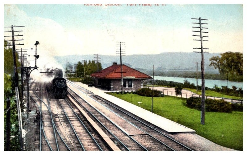 New York   Fort Plain   Railroad Station with Train