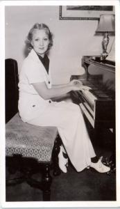 RPPC HOLLYWOOD, CA California  Actress/Singer ANN SOTHERN   c1940s  Postcard