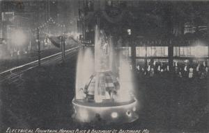 BALTIMORE , Maryland , 1908 ; Electric Fountain at night, Hopkins Place