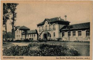 CPA  Rochefort-sur-Mer - Les Ecoles Emile-Zola  (480921)