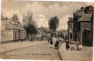 CPA Lecluse - La Grand Route (136076)