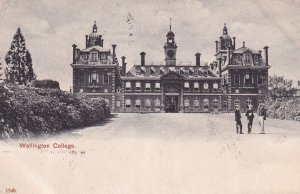 BERKSHIRE, England, PU-1907; Wellington College