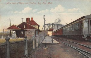 Bay City Michigan Central Depot and Viaduct Vintage Postcard AA20121