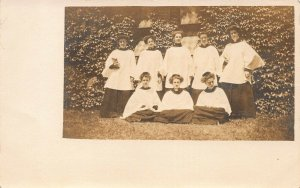 GROUP OF WOMEN IN CHOIR OR RELIGIOUS GROUP-1910s REAL PHOTO POSTCARD