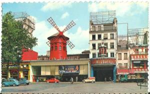France, Paris, Le Moulin Rouge, place Blanche, Renault Dauphine & Citroen 2cv