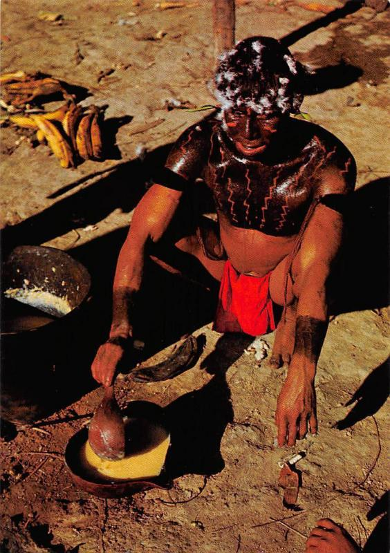 Venezuela Guaica Indian preparing a plantain dish called Carato