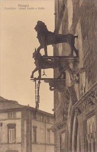 Italy Perugia Collegio Del Cambio Municipio Leone Guelfo E Griffo