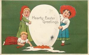 PFB Easter~Lil Girls Break Exaggerated Egg~Baby Plays in Yolk~Green Back~7536