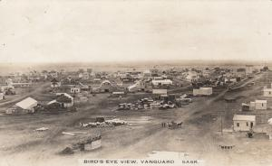 RP: VANGUARD , Sask., Canada , 1900-10s ; Bird's Eye View