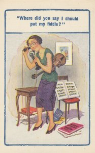 Girl w/ Violin on telephone Where did you say I should put my fiddle?, 1910s