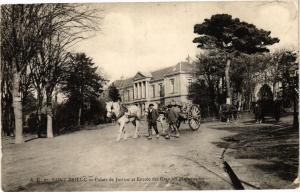 CPA St-BRIEUC-Palais de Justice et Entrée de Grandes Promenades (231439)