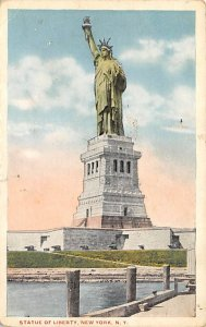 Statue of Liberty Post Card New York City, USA Unused
