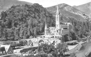 France Lourdes La Basilique et le Gave Basilica