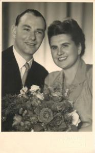 Wein/Vienna Austria~Happy Couple RPPC AtelierAmerling Amerlingstraße 1954 Photo