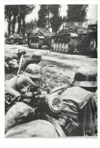 Postcard, WW2 Germans Make a big effort to crush the Invasion June 1944 Tank 8O