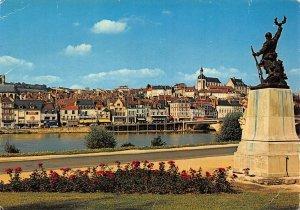 France joigny General view Monument aux Morts Statue River Postcard