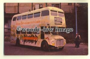 tm5544 - London Transport Bus no RM1737 at Shepherds Bush - postcard