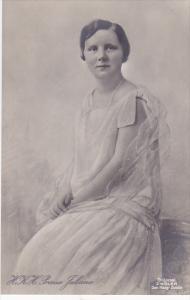 H. R. H. Prinses Juliana, 00-10s