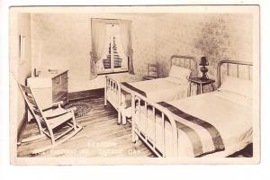 Real Photo Interior, Bedroom, Habitant Inn,  Quebec, 1939