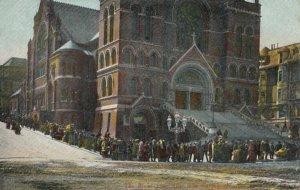 SAN FRANCISCO , California , 1906 , Bread Line After Earthquake