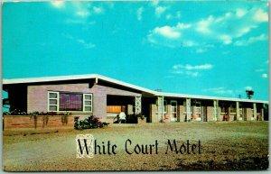 Milwaukee, Wisconsin Postcard WHITE COURT MOTEL Highway 41 Roadside 1958 Cancel