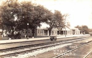 Mondan ND~Mini-Wagon~Horseless Buggy~Northern Pacific Railroad Depot~RPPC 1930s
