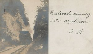 RP: MADISON , Indiana , 1905 ; Railroad Train in Pass