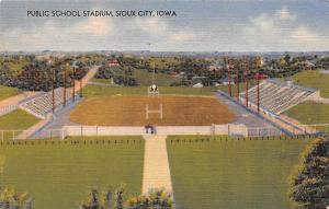 Post Card Old Vintage Antique Public School Stadium, Sious City Iowa, USA Unused