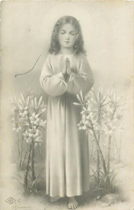 Religion girl pray fantasy saint flowers angel vintage postcard Italy