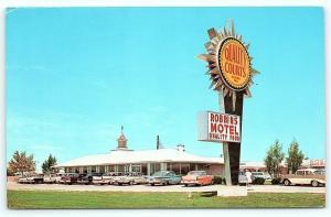 Postcard IL Vandalia Robbins Quality Courts Motel & Restaurant 1950s Cars  A17