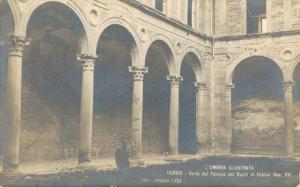 Italy Corte del Palazzo dei Duchi di Urbino 02.16