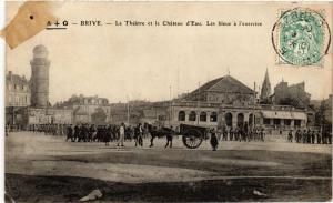 CPA  Brive - Le Theatre et le Chateau d'Eau - Les Bleus á l'Exercice  (691894)