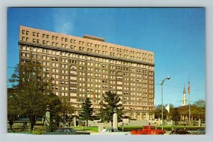 Wilmington DE- Delaware, Du Pont Building, Chrome Postcard