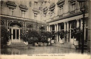 CPA AK PARIS (9e) - Hotel CONTINENTAL La Cour d'Honneur (218860)