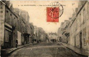 CPA La HAYE-PESNEL - Rue de la Gare et Rue du Marché (633095)