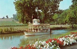 1960s Sternwheelier Boat Dutch Wonderland Lancaster PA USA Theme Park Postcard