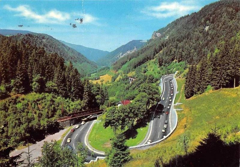 Schwarzwald Das Hoellental an der Ravenna Bruecke Auto Cars Road Bridge