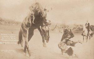 RP: Horse ; FEMALE RODEO , 1910s ; PENDLETON , Oregon ; Bonnie McCarroll