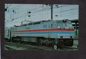 DC Amtrak Colonial Railroad Train Loco # 952 Union Station Washington Postcard