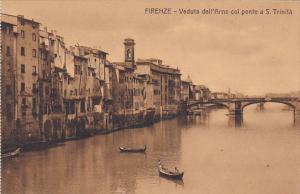 Italy Firenze Florence Veduta dell'Arno col ponte a s Trinita
